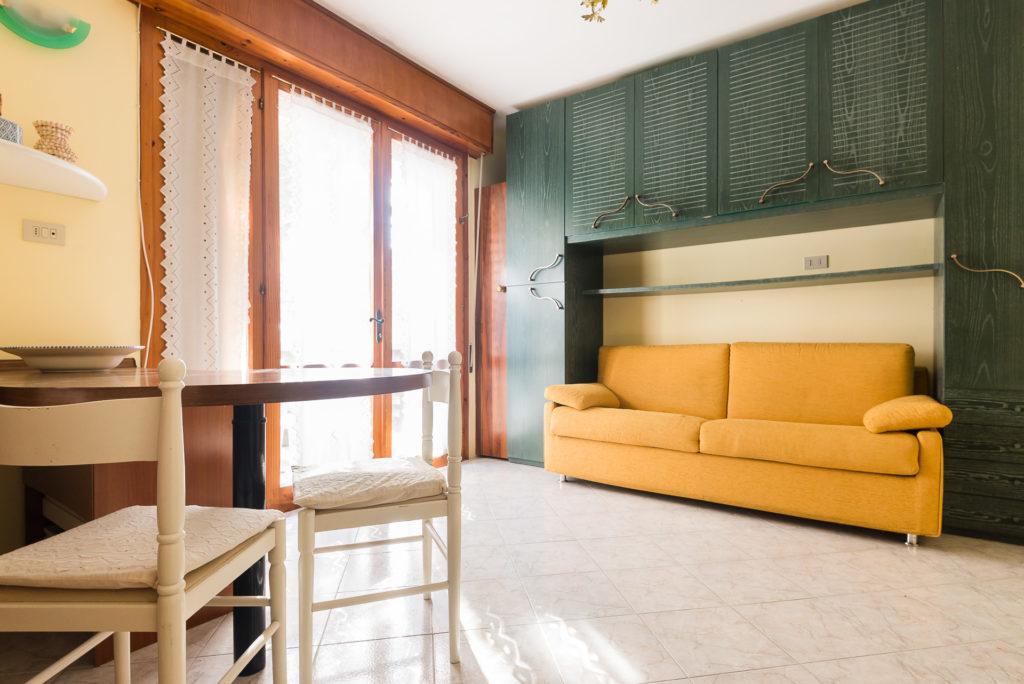 Vendita appartamento monolocale con terrazzo abitabile in Lignano ...
